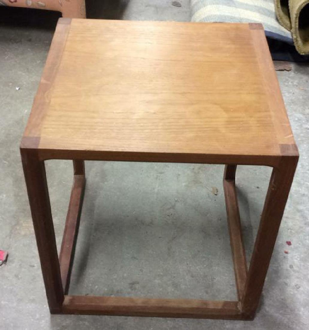 Lot 3 Wooden Nesting Side Tables Various Sized - 2