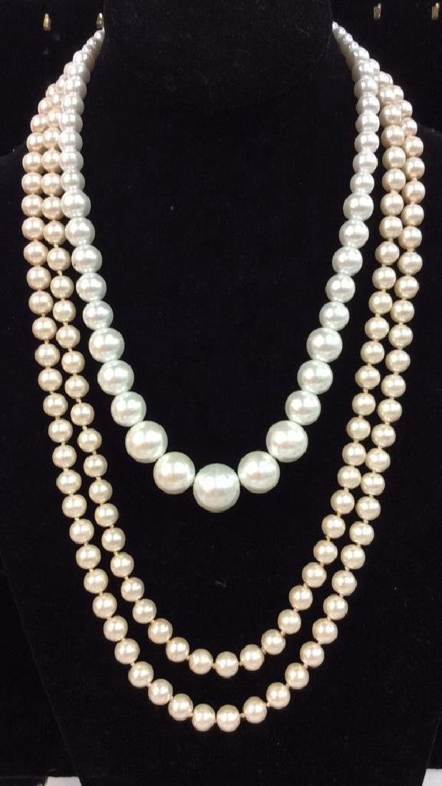 Lot 2 Pearl Beaded Necklaces