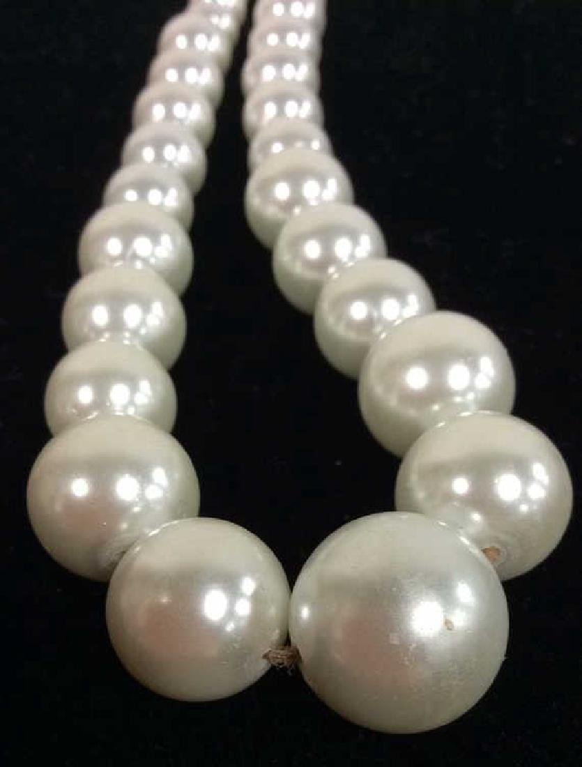 Lot 2 Pearl Beaded Necklaces - 4