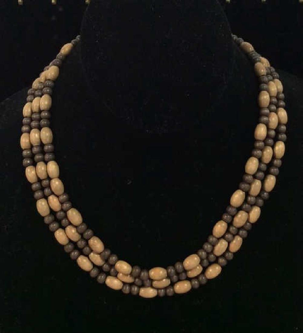 Lot 2 Beaded Necklaces - 2