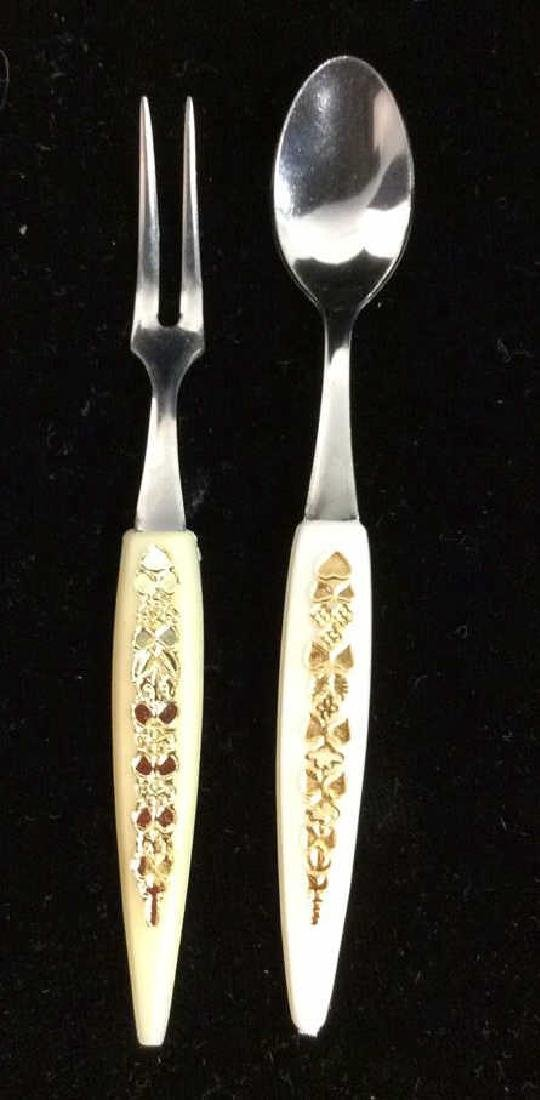 Lot 24 Hors d'oeuvre Forks and Spoons - 3