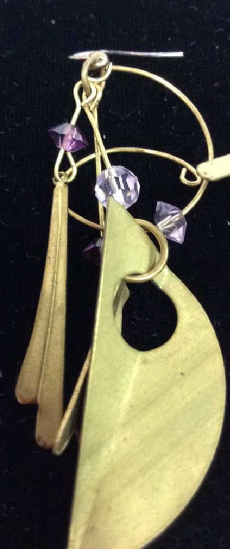Lot 3 Pairs of Gold Toned Metal Earrings - 9