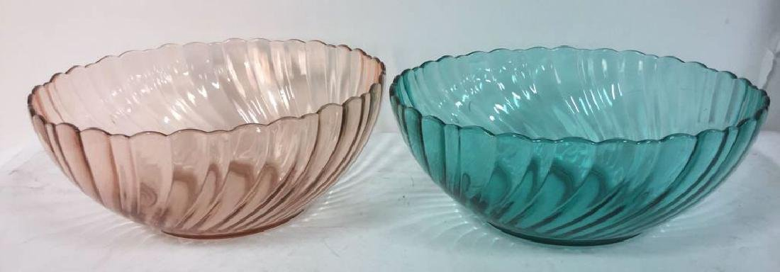 Lot 2 French Art Colored Glass Bowls