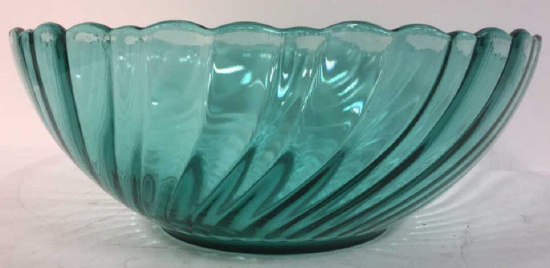 Lot 2 French Art Colored Glass Bowls - 4