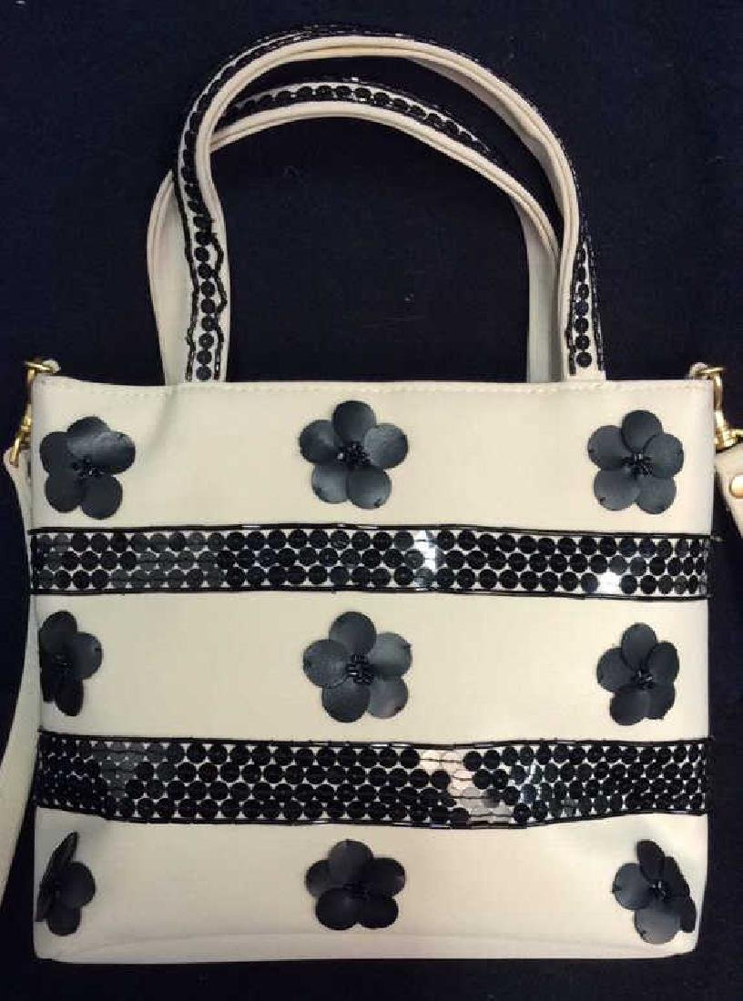 BLAINE TRUMP Black and White Fabric Purse