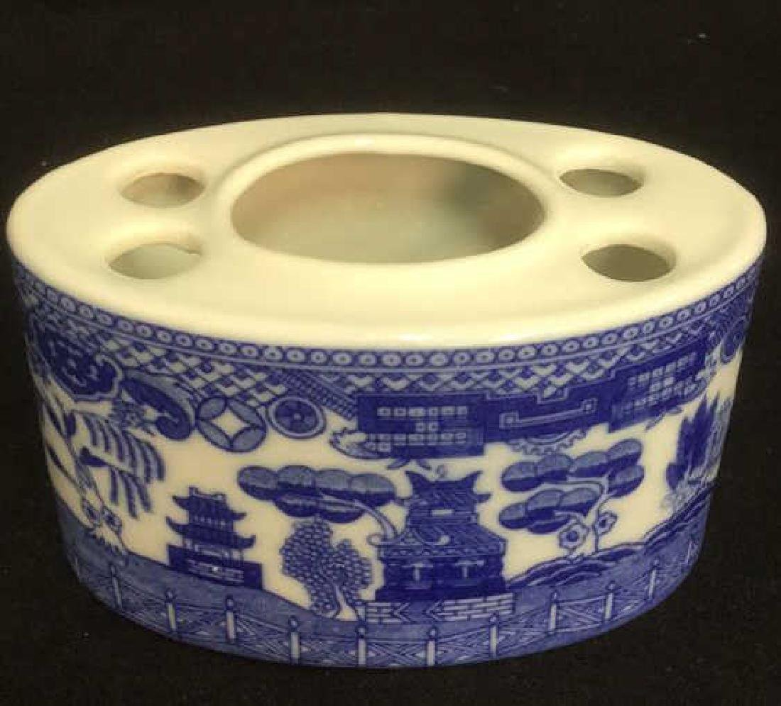 Lot 2 Porcelain Soap Dish And Toothbrush Holder - 2