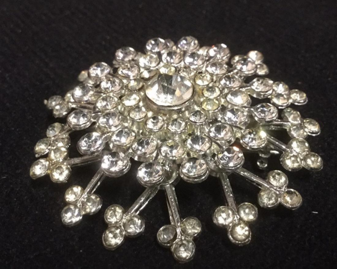 Lot 4 Estate Costume Jewelry Rhinestone Brooches - 2
