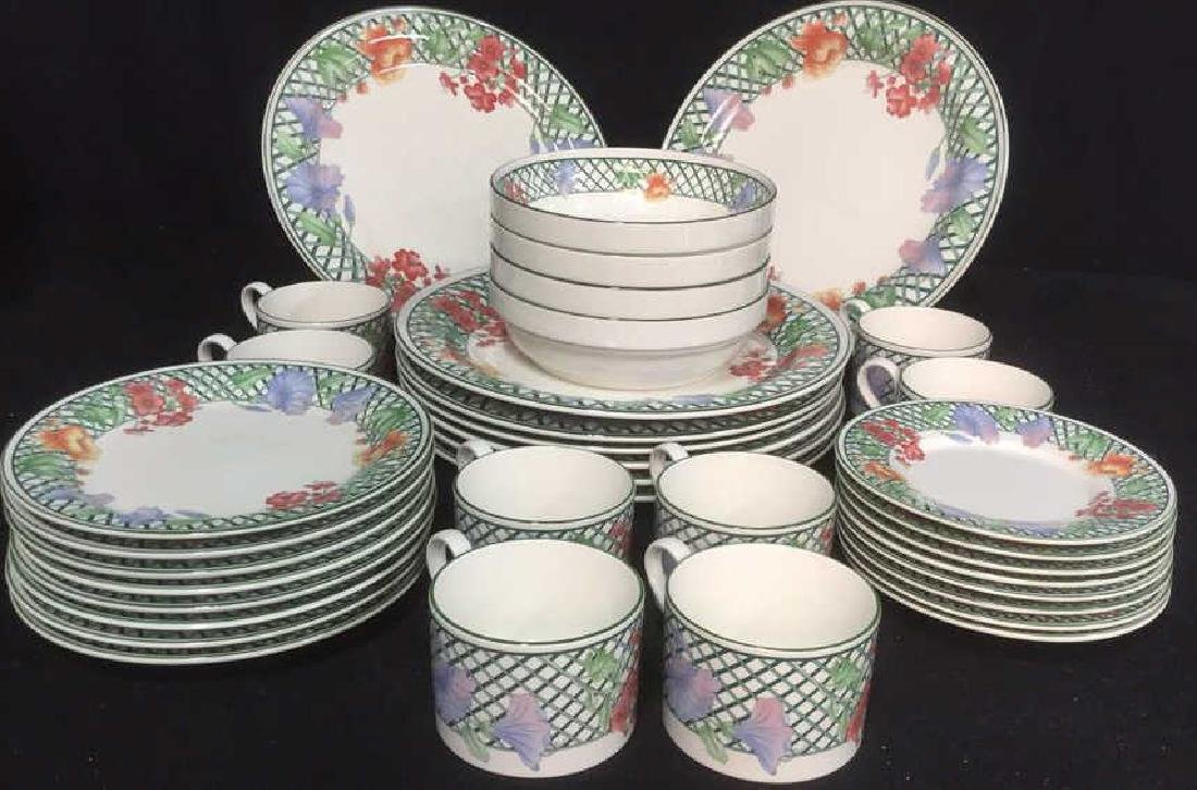 Lot 35 Pieces SANGO China Dinner Set