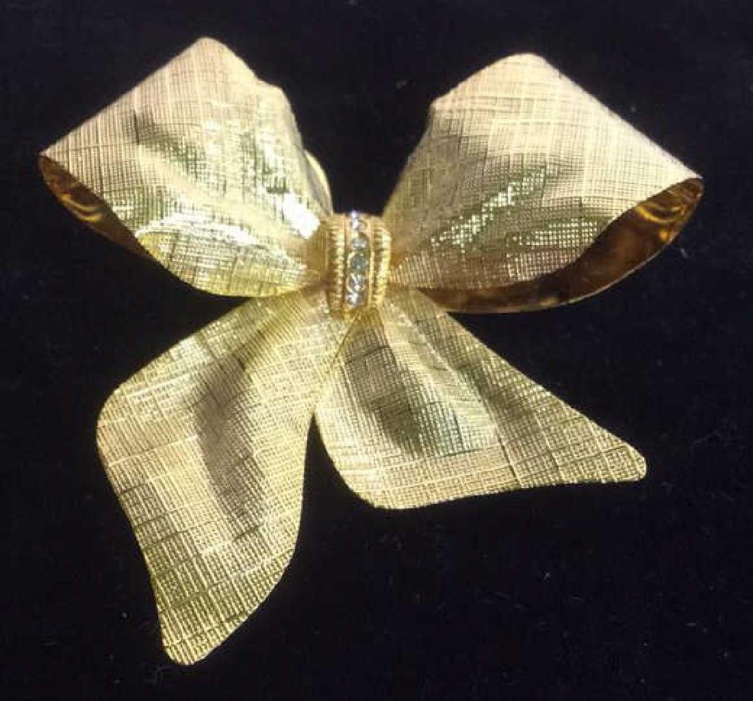 Vintage Gold Toned Bow Brooch pin