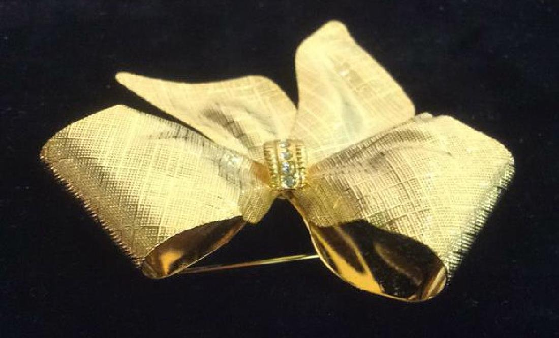 Vintage Gold Toned Bow Brooch pin - 7