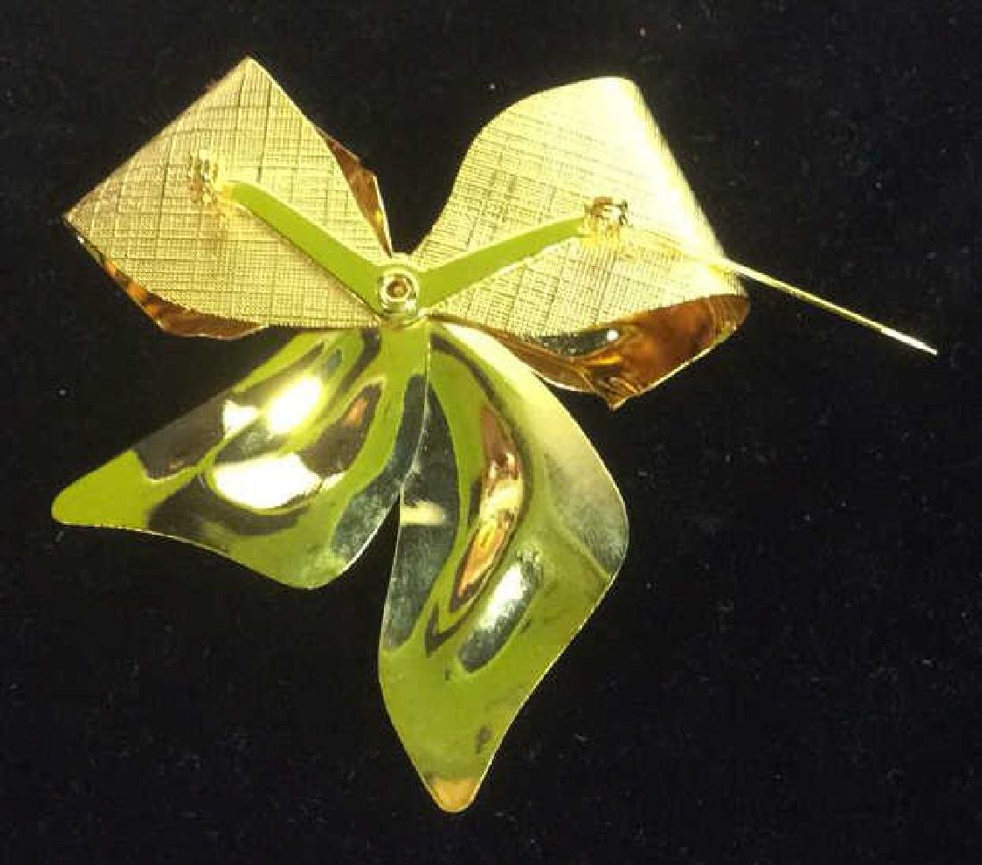 Vintage Gold Toned Bow Brooch pin - 8