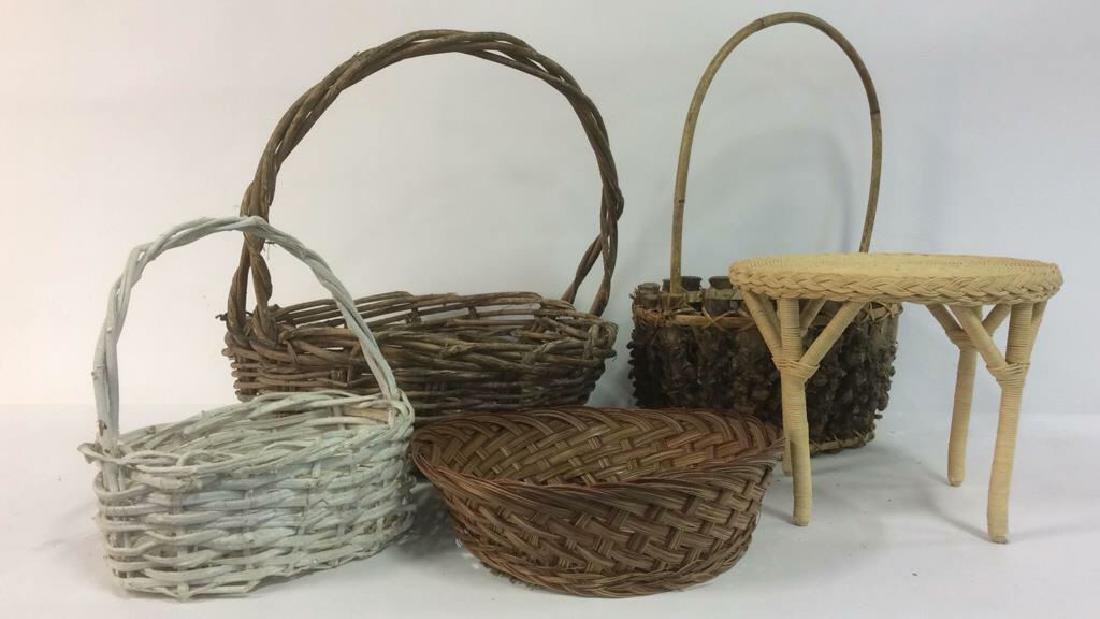 Lot 5 Wicker Baskets & More