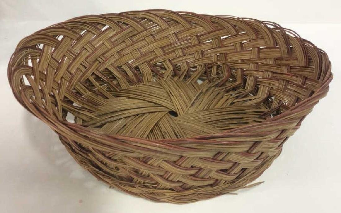 Lot 5 Wicker Baskets & More - 3
