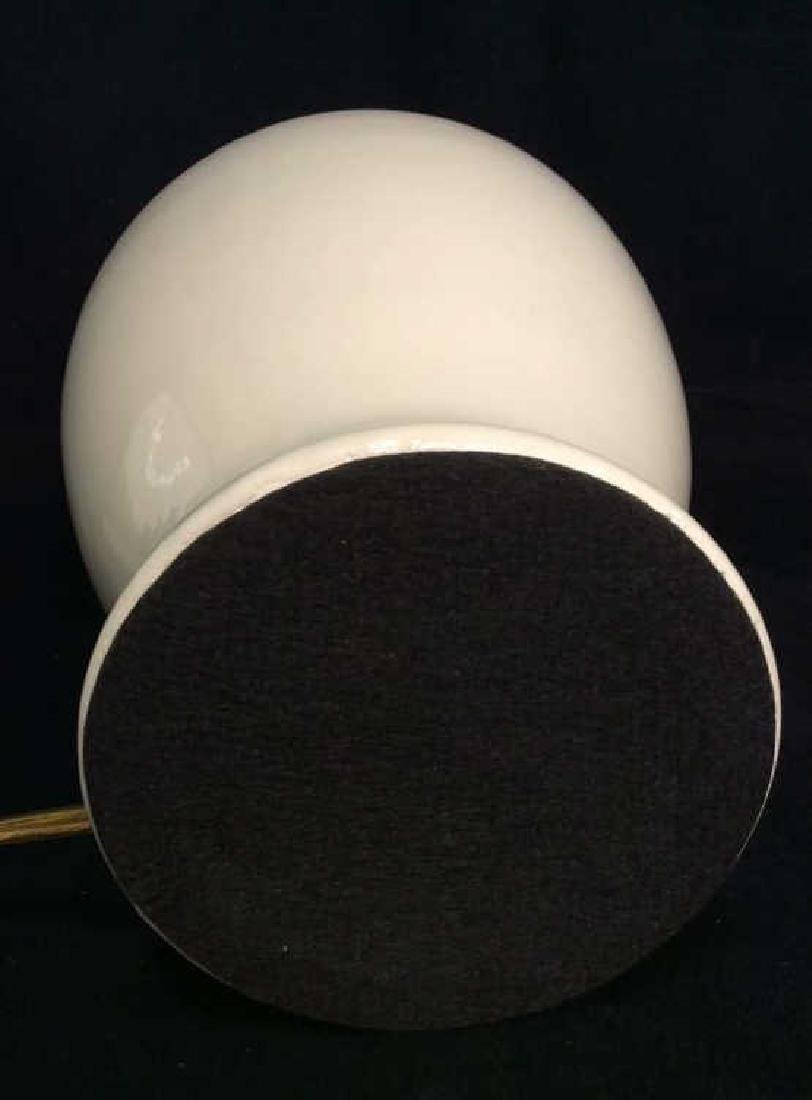 Beige Toned Porcelain Bodied Lamp - 5