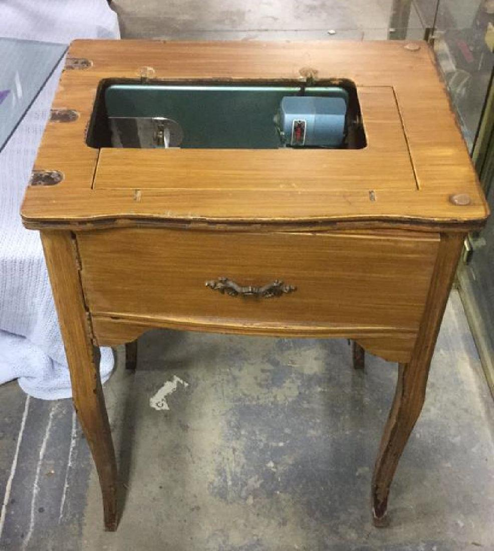 UNIVERSAL Sewing Machine Table with Machine - 4