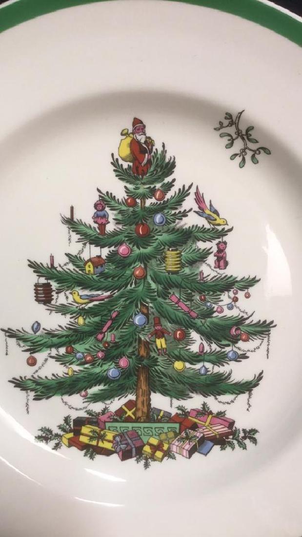Lot 10 Spode Christmas Dinner Plates - 2