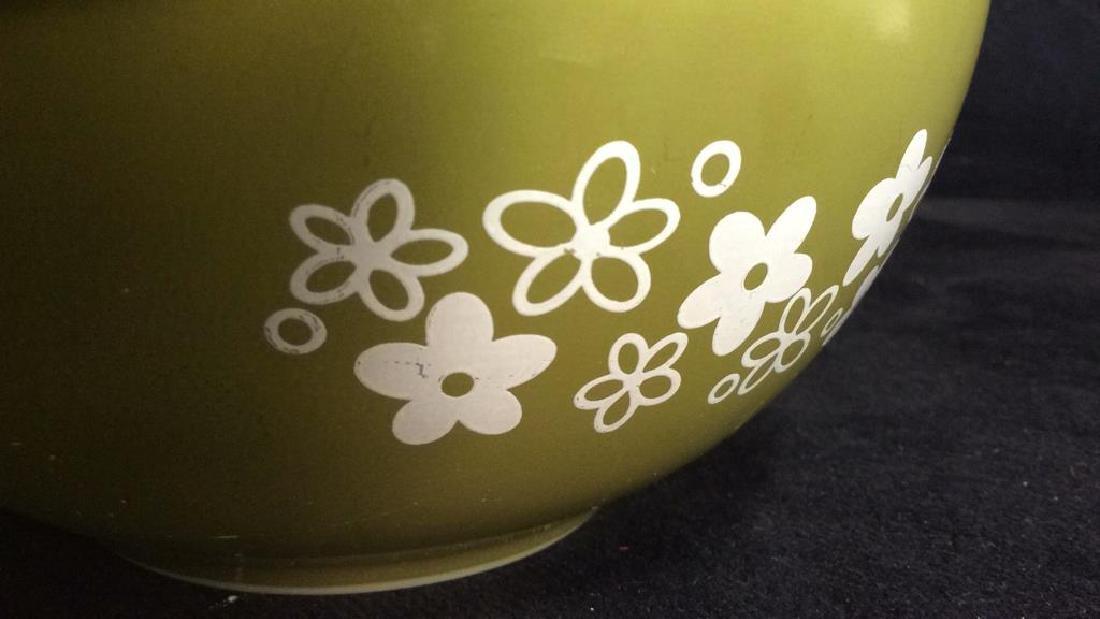 Pair Pyrex Glass Mixing Bowls - 4