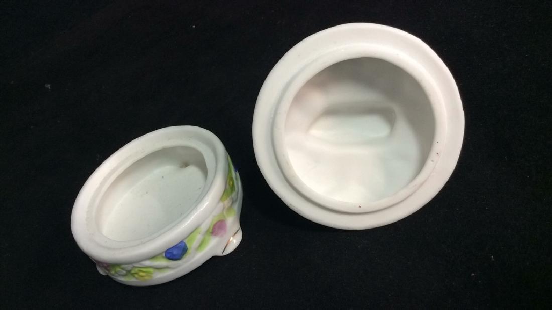 Lot 2 Painted Porcelain Tabletop Accessories - 9