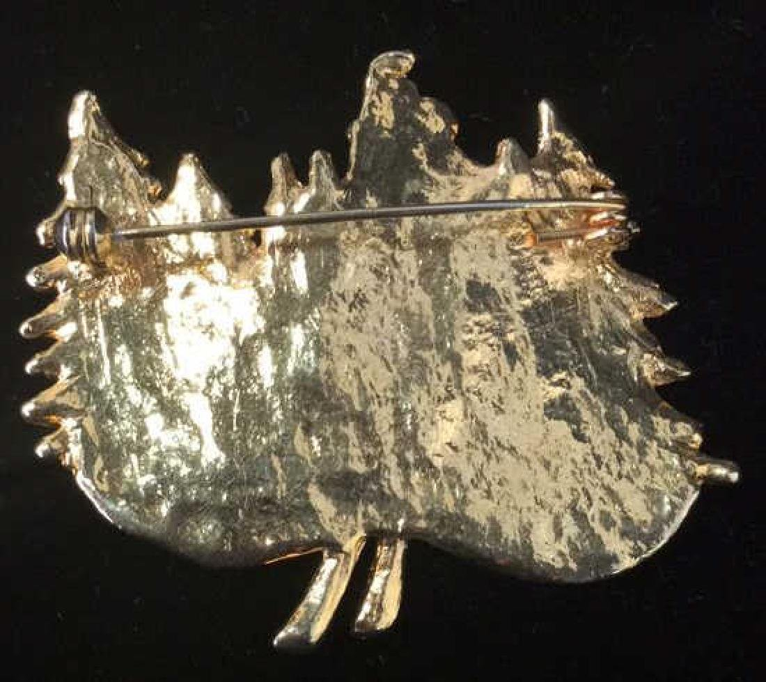 Lot 4 Women's Brooch Pins Jewelry, SIgned - 3