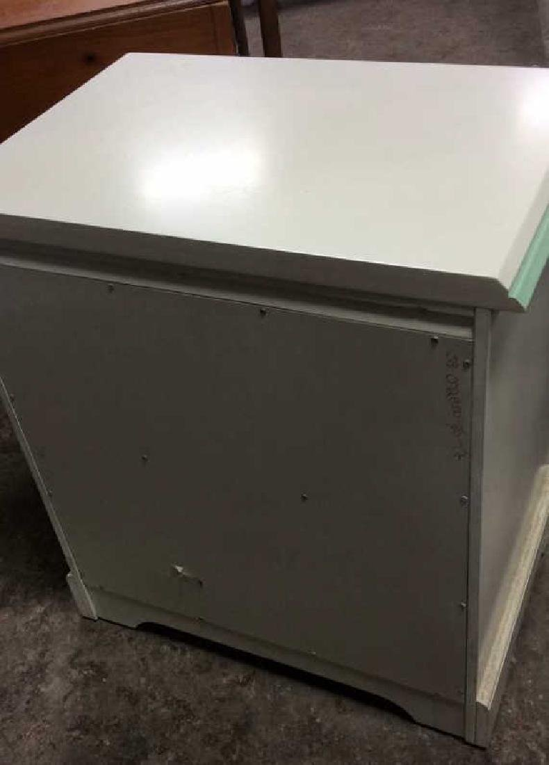 White and Green Wooden End Table W Drawers - 7