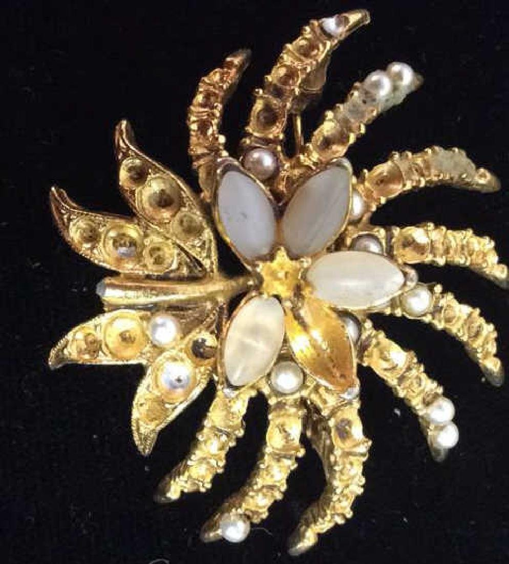 Lot 3 Gold Toned Floral Figural Pins - 7