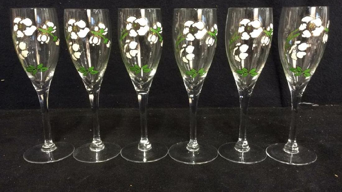 Lot 6 Floral Detailed Champagne Flutes