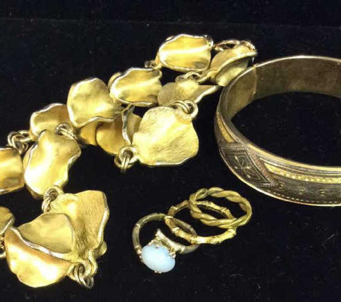 Lot 5 Assorted Costume Jewelry
