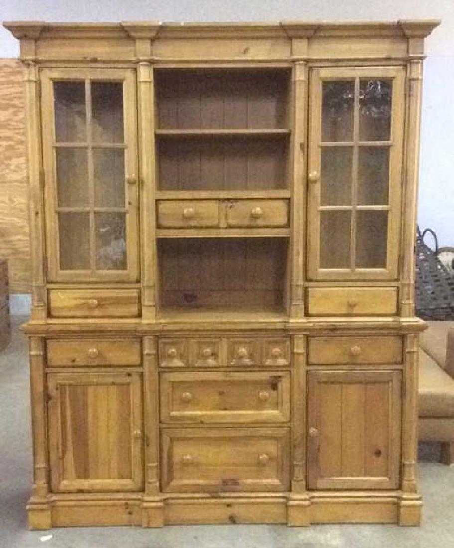 Yorkshire market broyhill china cabinet hutch