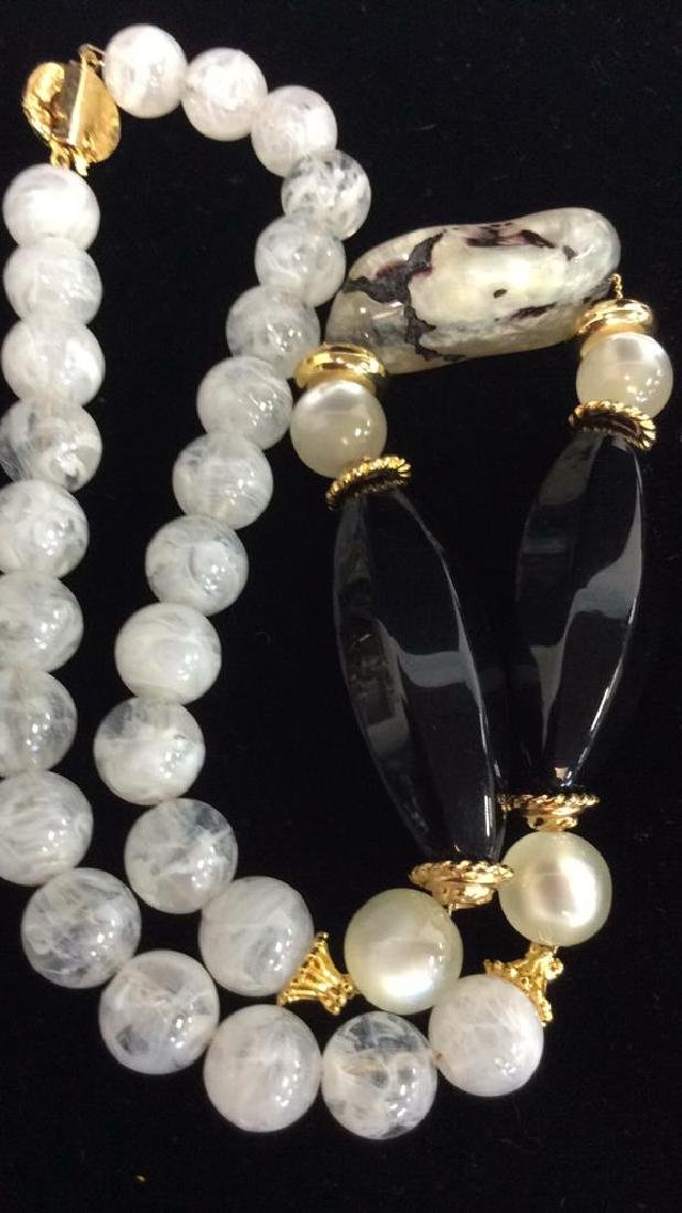 Faux Stone Beaded Costume Jewelry Necklace