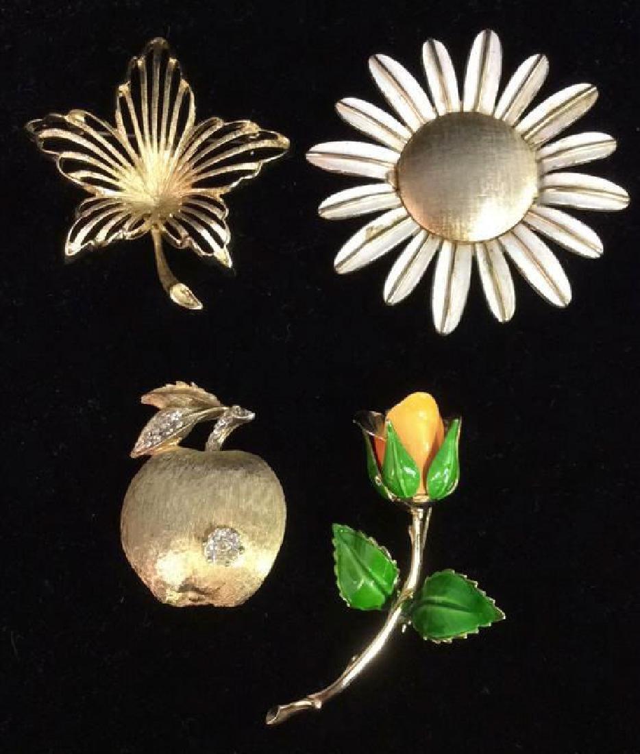 Lot 4 Assorted Gold Toned Metal Brooch Pins