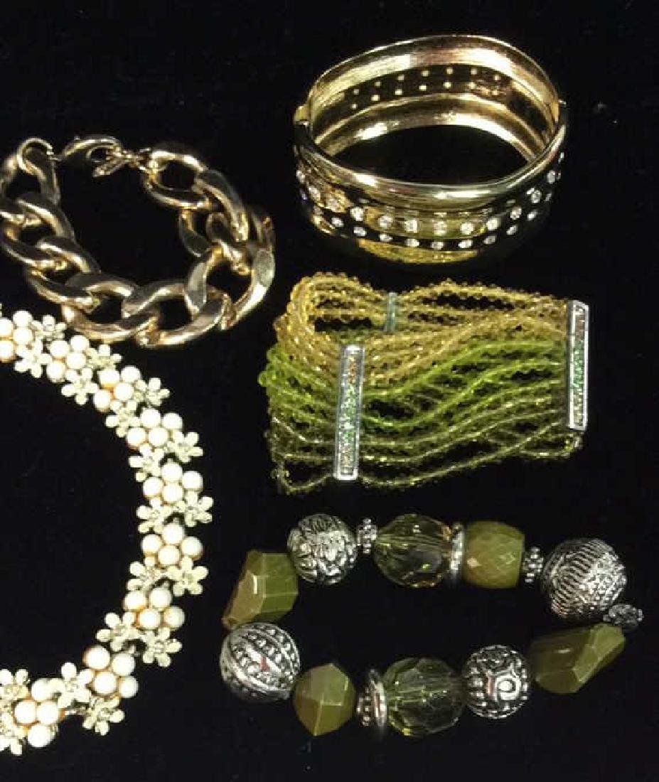 Lot 5 Assorted Women's Costume Jewelry