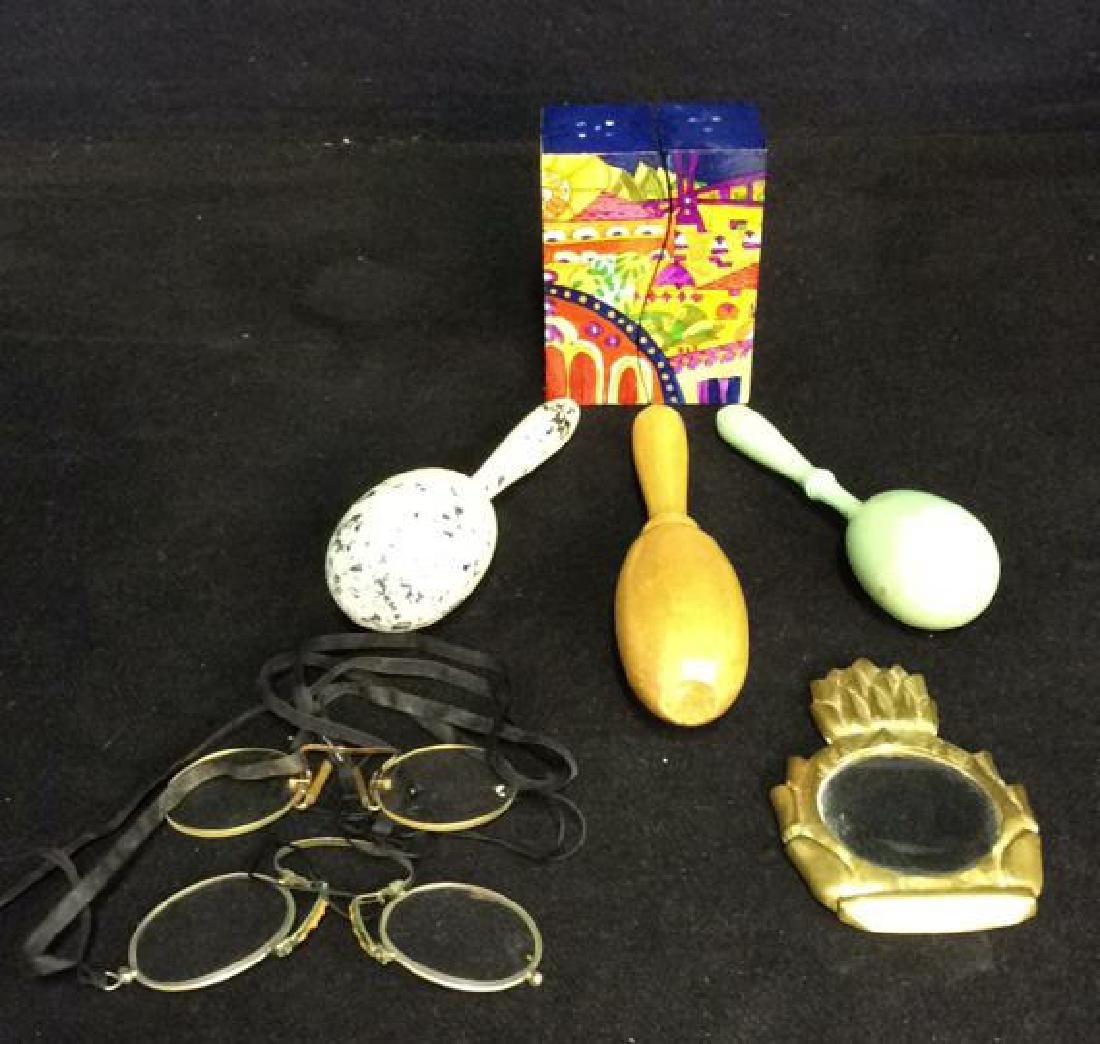 Lot 8 Vintage Tabletop Accessories Collectibles