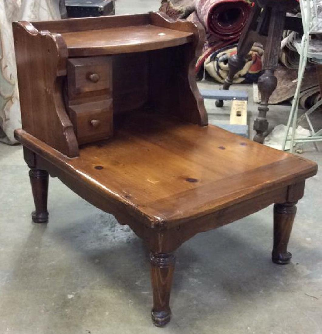 Vintage Colonial Style End Table