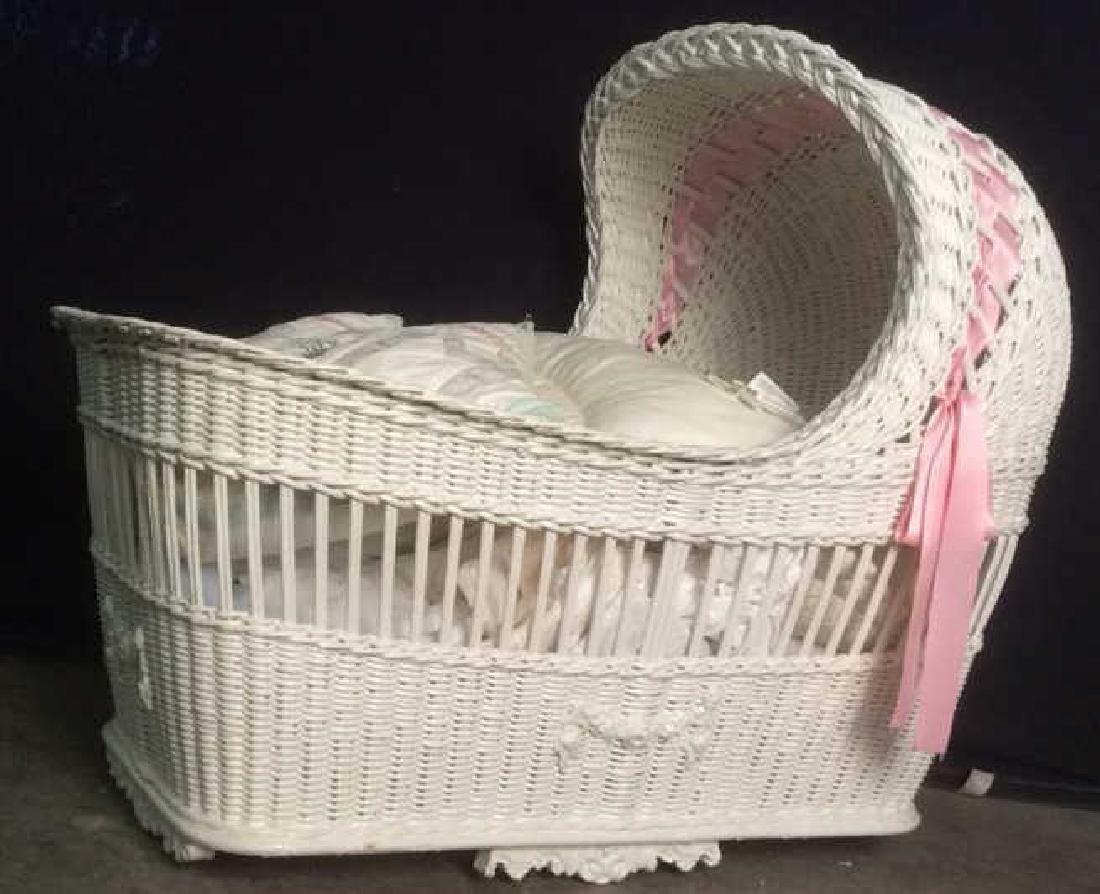 Lot 4 Baby Bonnet Wicker Crib W Pillows