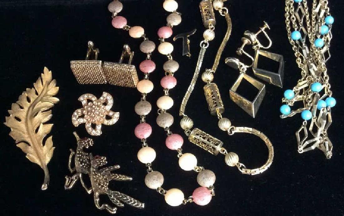 Lot 9 Assorted Gold Toned Women's Costume Jewelry