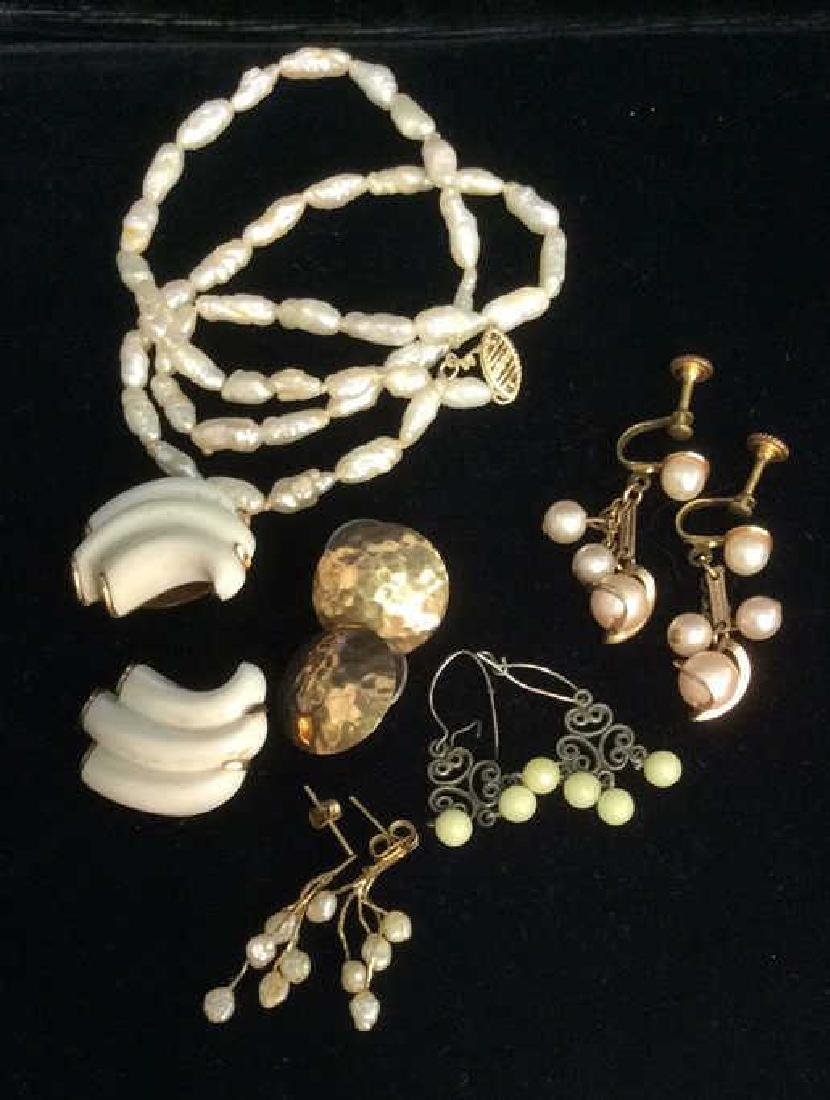 Lot 6 Vintage Estate Pearl Jewelry