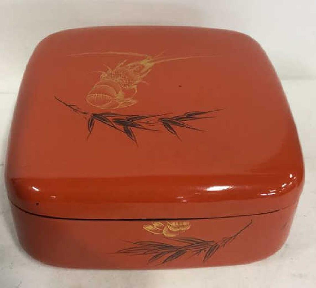 Oriental Lacquered Box With 8 Cups Set