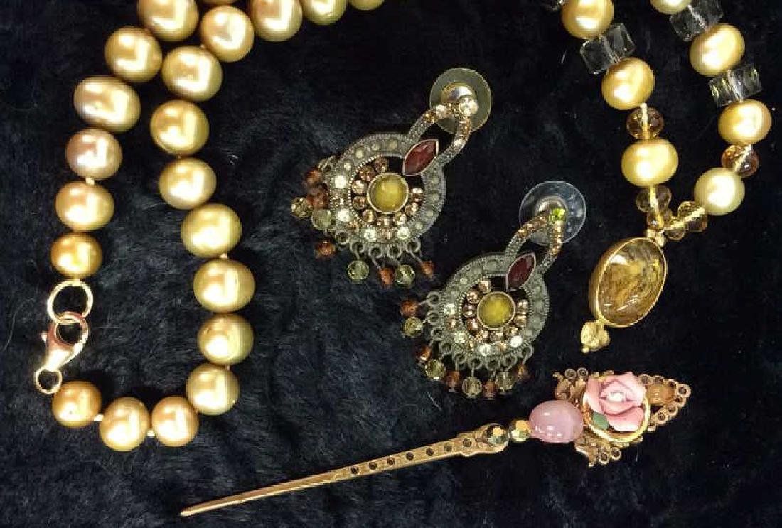Lot 3 Assorted Costume Jewelry