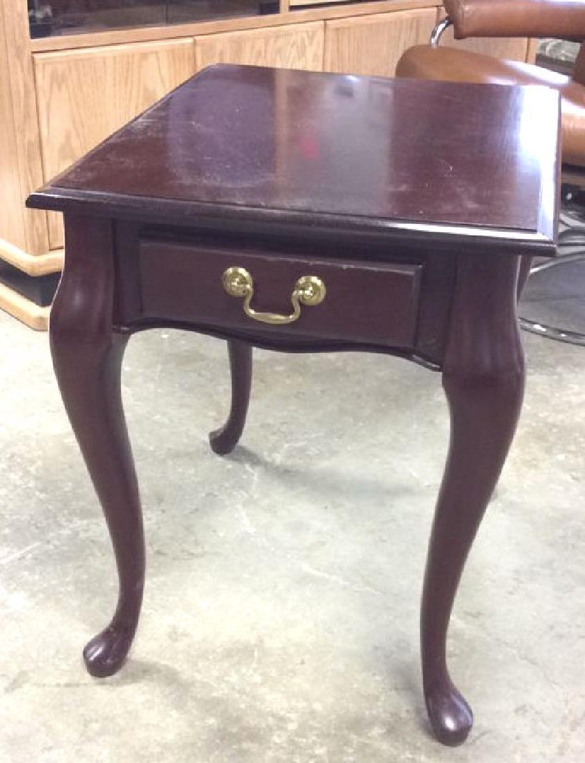 Mahogany Toned Wood End Table