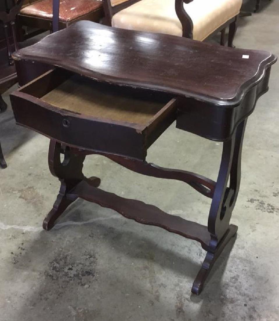 Vintage Mahogany Scalloped End Table - 3