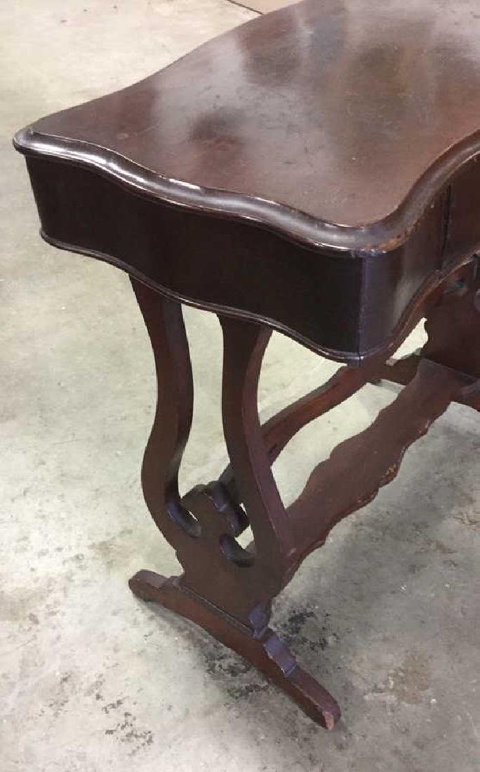 Vintage Mahogany Scalloped End Table - 4