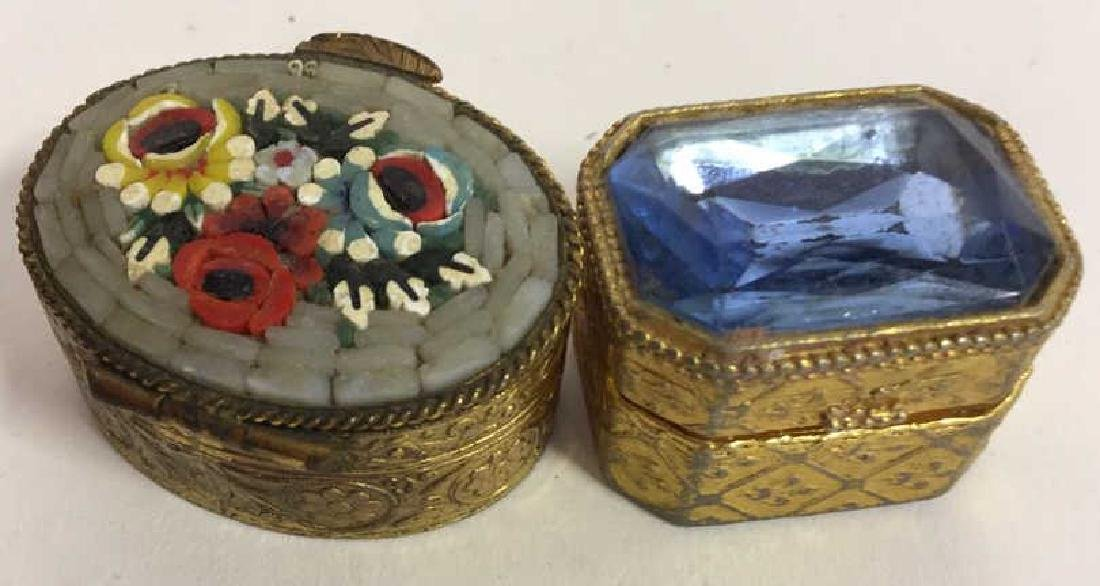 Group Lot 7 Lidded Pill Boxes, Porcelain and more - 2