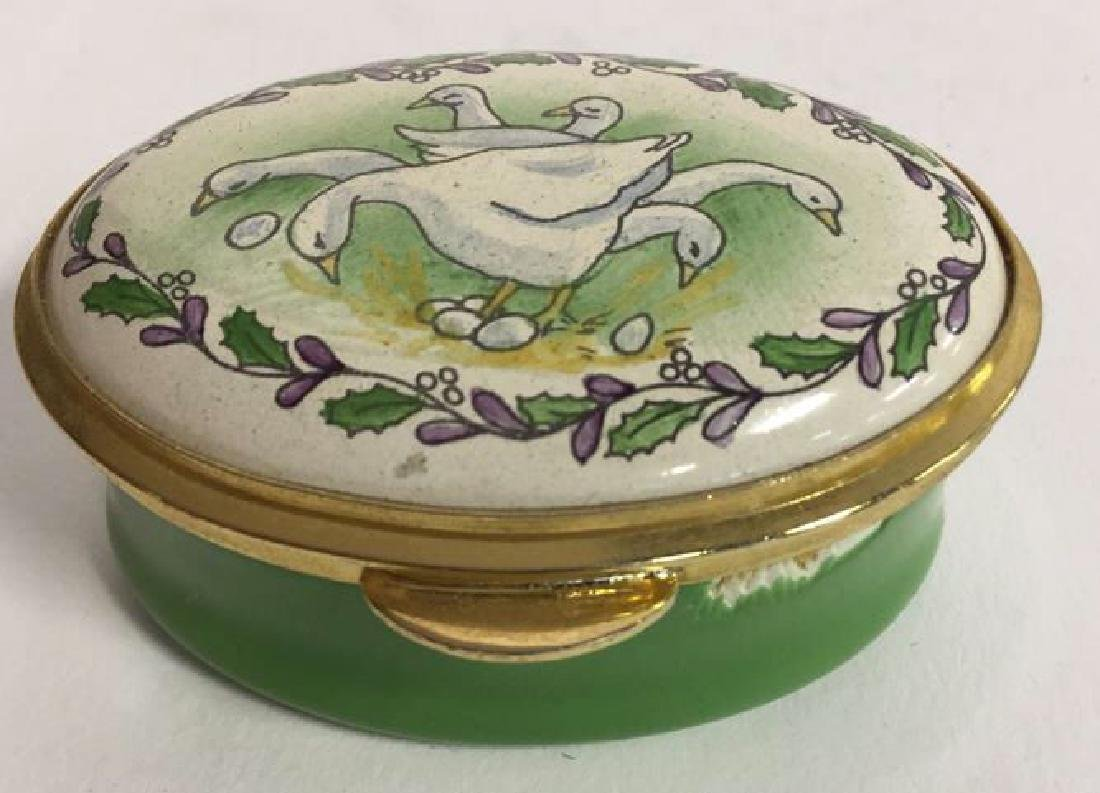 Group Lot 7 Lidded Pill Boxes, Porcelain and more - 3