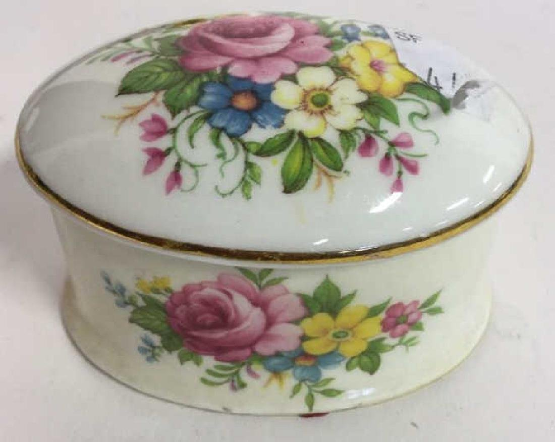 Group Lot 7 Lidded Pill Boxes, Porcelain and more - 4