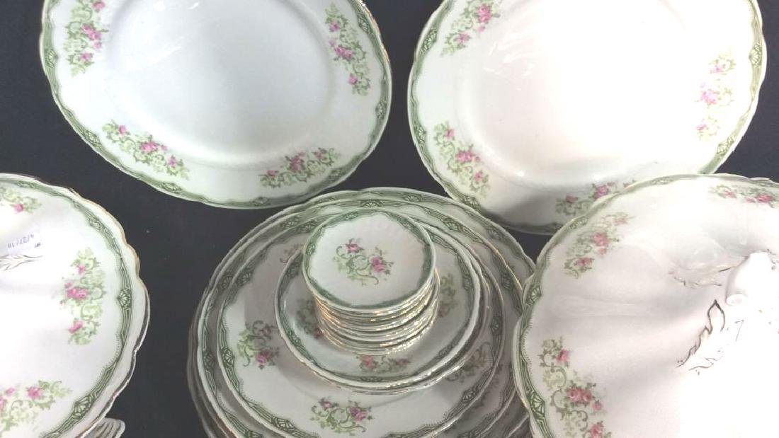 94 Pcs Vintage Porcelain Dinner Service Place Settings - 6
