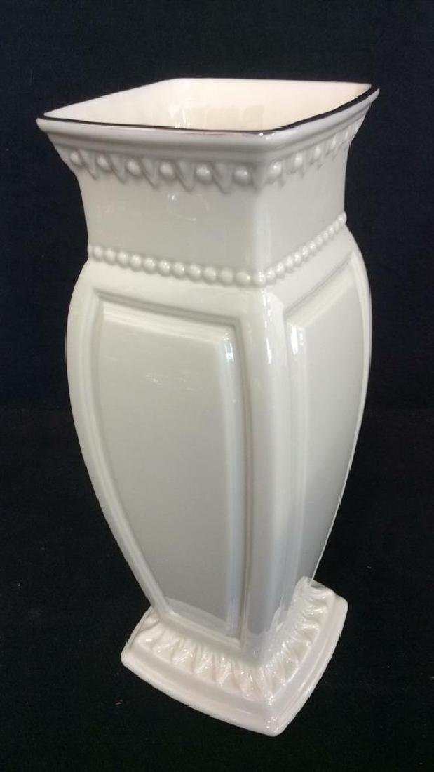 Lot 3 Assorted Porcelain Tabletop Accessories - 3
