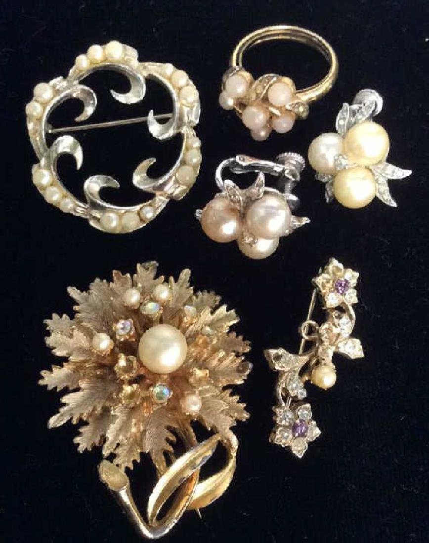 Group Lot 5 Vintage Pearl Jewelry