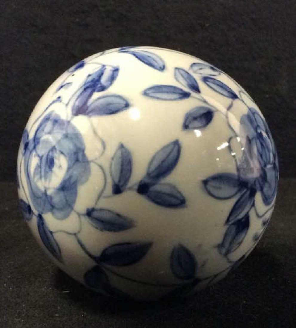 Lot 7 Oriental Style Porcelain Spheres - 7