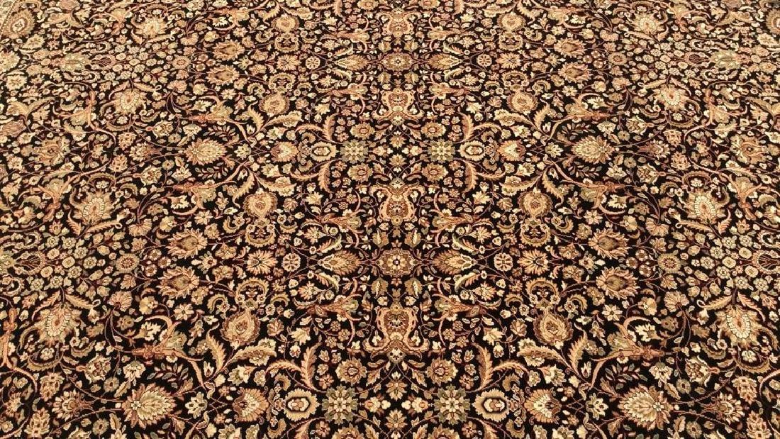 Intricately Detailed Floral Motif Wool Rug - 2