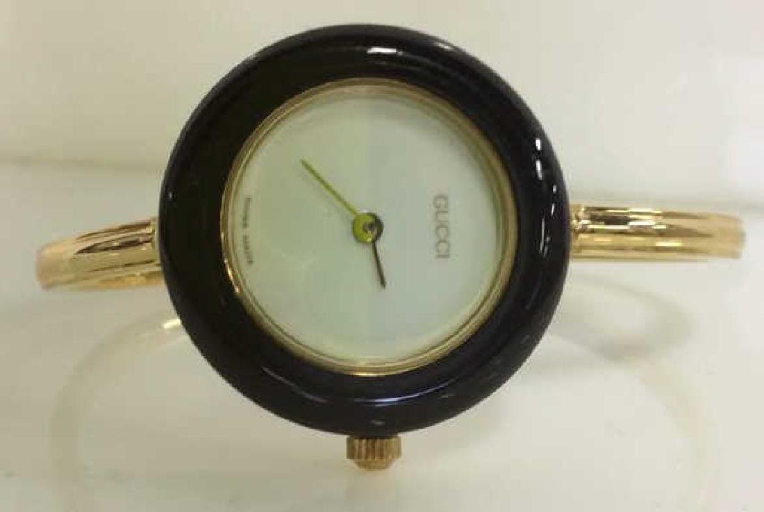 GUCCI Designer Ladies Wristwatch w Box and Bevels - 4